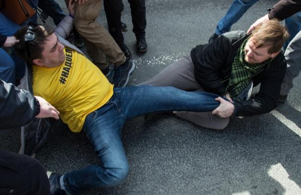 Идрисов: на первомайском шествии в Петербурге задержаны 18 человек
