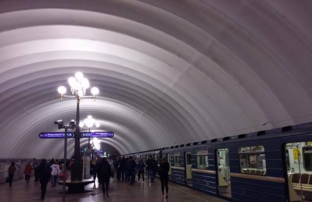 Станцию «Комендантский проспект» закрыли для пассажиров