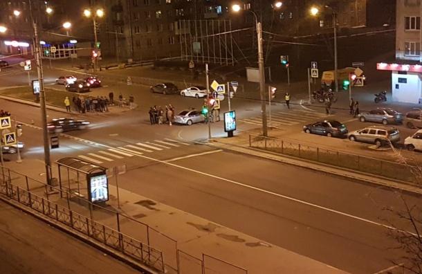 «Газель» сбила на Ланском шоссе мотоциклиста
