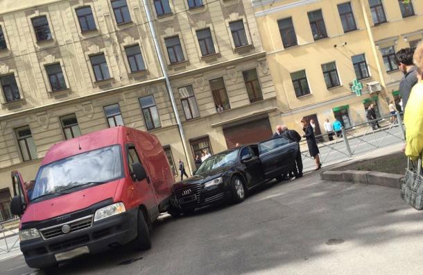 Автомобиль вице-губернатора Петербурга Албина попал вДТП