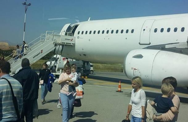 Самолет с Крита благополучно прибыл в Петербург
