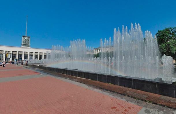 Светомузыкальные фонтаны запустят на Московском проспекте и площади Ленина 9 мая