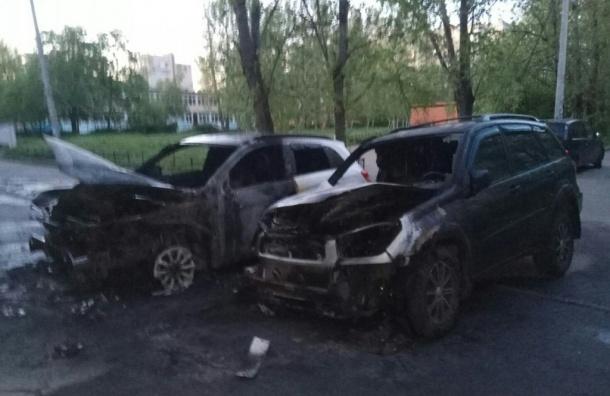 Два кроссовера сгорели на Будапештской