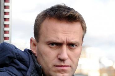 СМИ: Навальный вылетел за границу