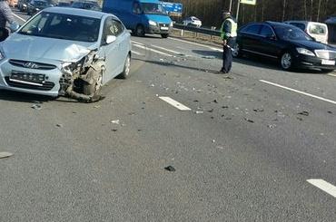 Иномарка сбила женщину на пешеходном переходе на Мурманском шоссе