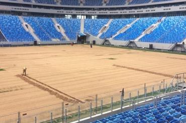 Стадион на Крестовском стал «лысым»