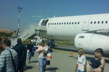 «Северный ветер»: летевший вПетербург с Крита самолет вернулся из-за технических проблем