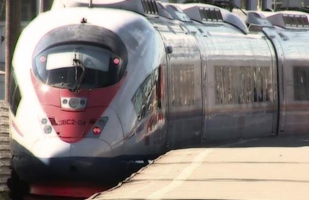 РЖД к «Алым парусам» пустит два дополнительных поезда из Москвы в Петербург