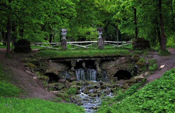 Руинный каскад в Павловском парке отреставрируют за 24 млн рублей