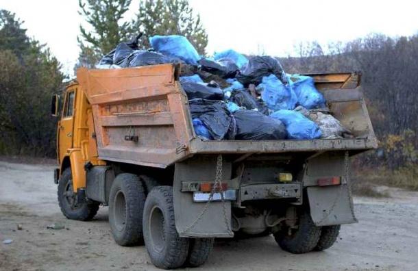 Самосвалы вывезли 180 кубов мусора после матча Россия – Новая Зеландия