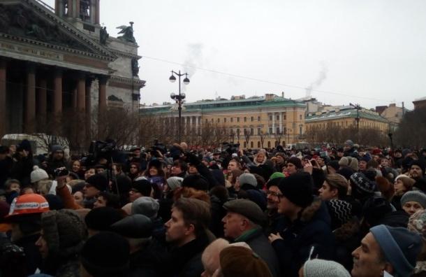 Закон о референдуме в Петербурге ужесточили