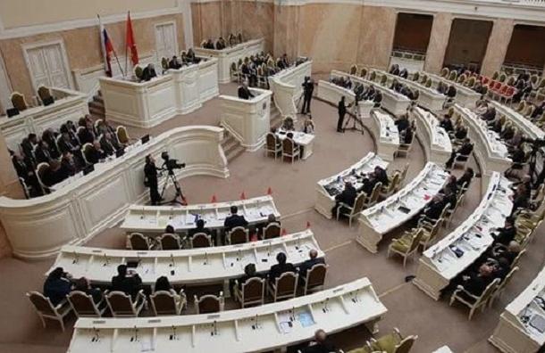 Совет фракций ЗакСа решил не призывать к ответу начальника ГУВД