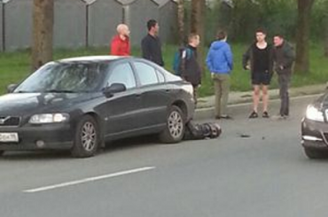 Мотоциклист погиб под колесами машины на проспекте Солидарности