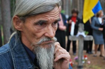 Историка Дмитриева встретили апплодисментами всуде