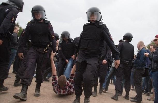 Всех задержанных на митинге подростков отпустили домой