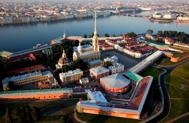 Смольный назвал причины закрытия Петропавловки в День ВМФ