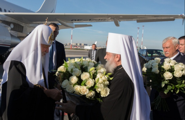 Патриарх Кирилл набизнес-джете мощи возил