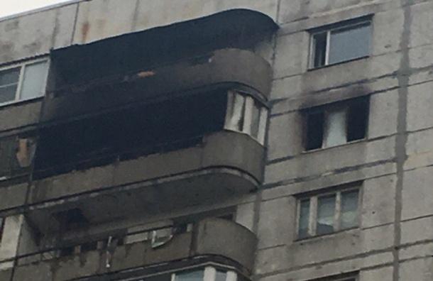 Пожар и потоп обрушились на жителей дома на Кораблестроителей