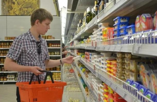 Петербуржцы стали тратить вмагазинах больше денежных средств
