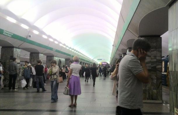 Станцию метро «Приморская» вПетербурге закрыли для входа пассажиров