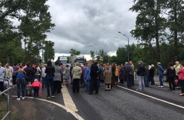 Жители Клина перекрыли Ленинградское шоссе из-за отсутствия горячей воды