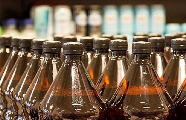 Продажу алкоголя в 1,5-литровой пластиковой таре запретили в России