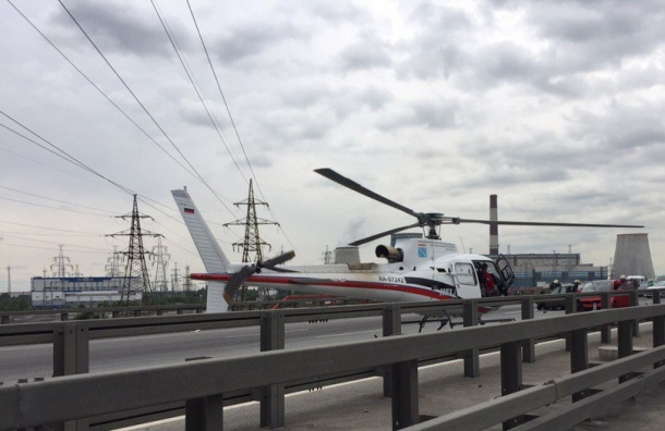 Вертолет забрал пострадавшую на КАД