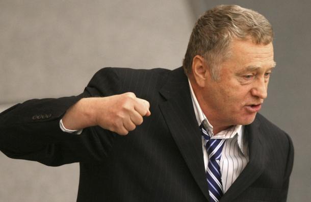 Попавший под ливень Жириновский хочет распустить Гидромет