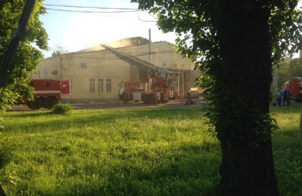 Горит трамвайное депо на улице Грибакиных