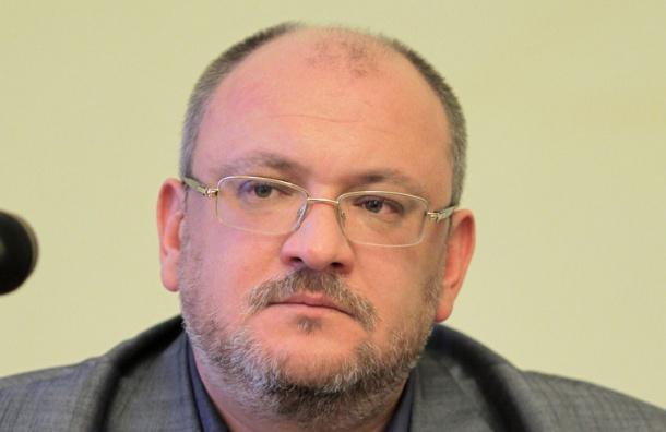 Резник возмущен планируемым ограничением работы метро в Петербурге