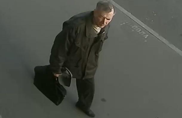 Петербуржцев просят помочь в поисках возможного убийцы