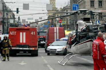 Трое пострадавших при взрыве в метро остаются в больницах