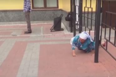 Томские дачники ползают по земле из-за заботы властей