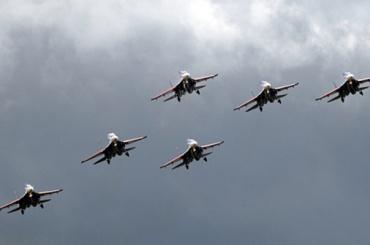 «Стрижи» покажут фигуры высшего пилотажа над Финским заливом