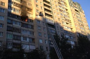 Горит квартира в Приморском районе