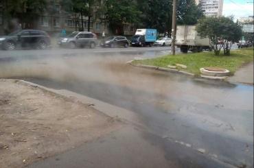 Кипяток разлился по проспекту Художников