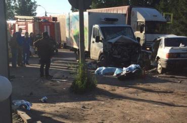 Очевидцы: два человека погибли в ДТП на Колтушском шоссе