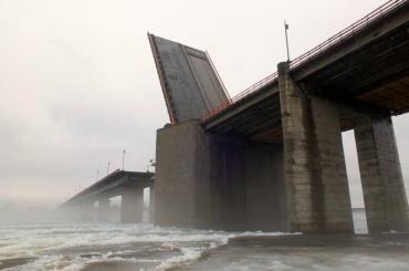 Ладожский мост разведут натрассе «Кола»