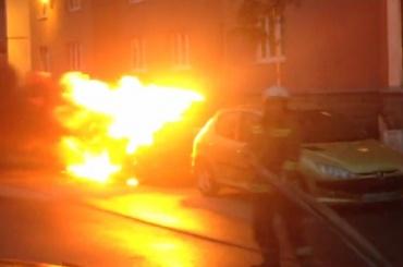 В соцсетях нашли подозреваемого в поджоге автомобиля
