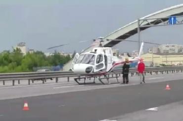 Мотоциклиста, сбитого на КАД, увезли вертолетом