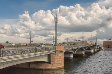 Мосты разведут в утренний час пик из-за репетиции парада