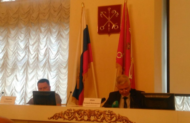 ЖСК иУК Петербурга задолжали около 15 млрд руб.
