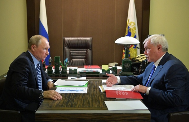 Путин удивился жалобам петербуржцев во время прямой линии