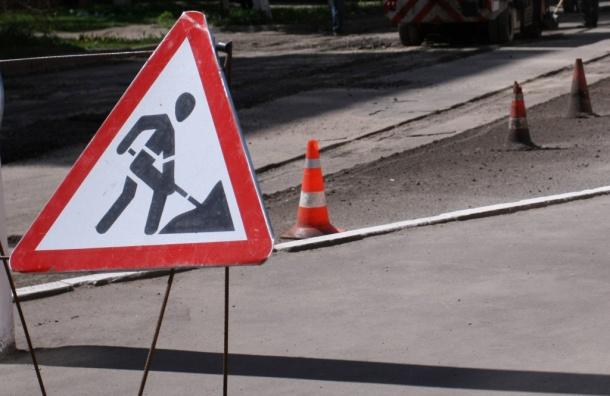 Смольный за два месяца отремонтирует в Петербурге 20,5 км дорог