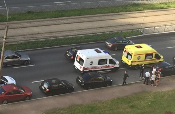 Велосипедиста сбили на улице Коллонтай