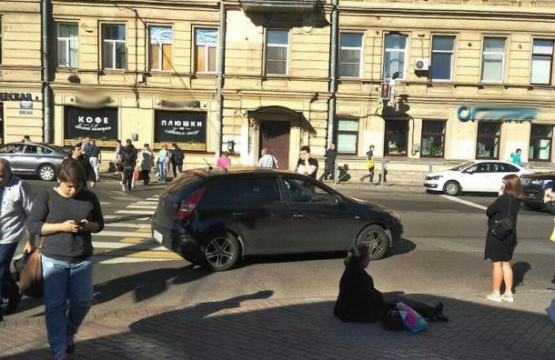 Очевидцы: женщину сбили около «Чкаловской»