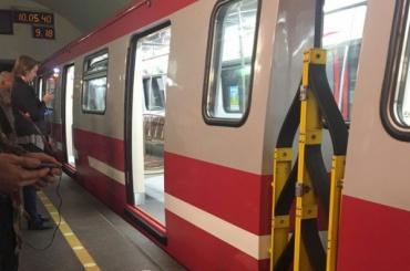 Новый поезд сломался на станции «Владимирская»