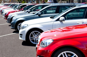 Продажи новых машин в Петербурге выросли на 11%