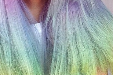 Приложение для перекраски волос оказалось в топе по скачиванию в AppStore