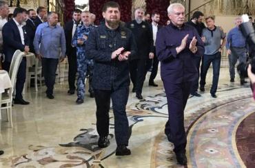 Руководство Петербурга отдыхает в Чечне